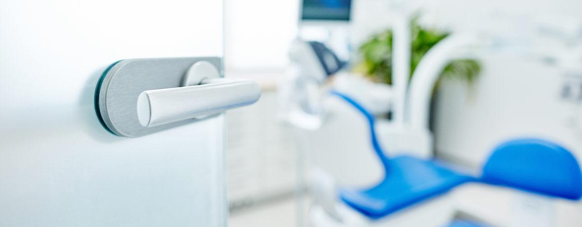 Zahnarztpraxis Ingo Lange - Air-Flow-Behandlung 4