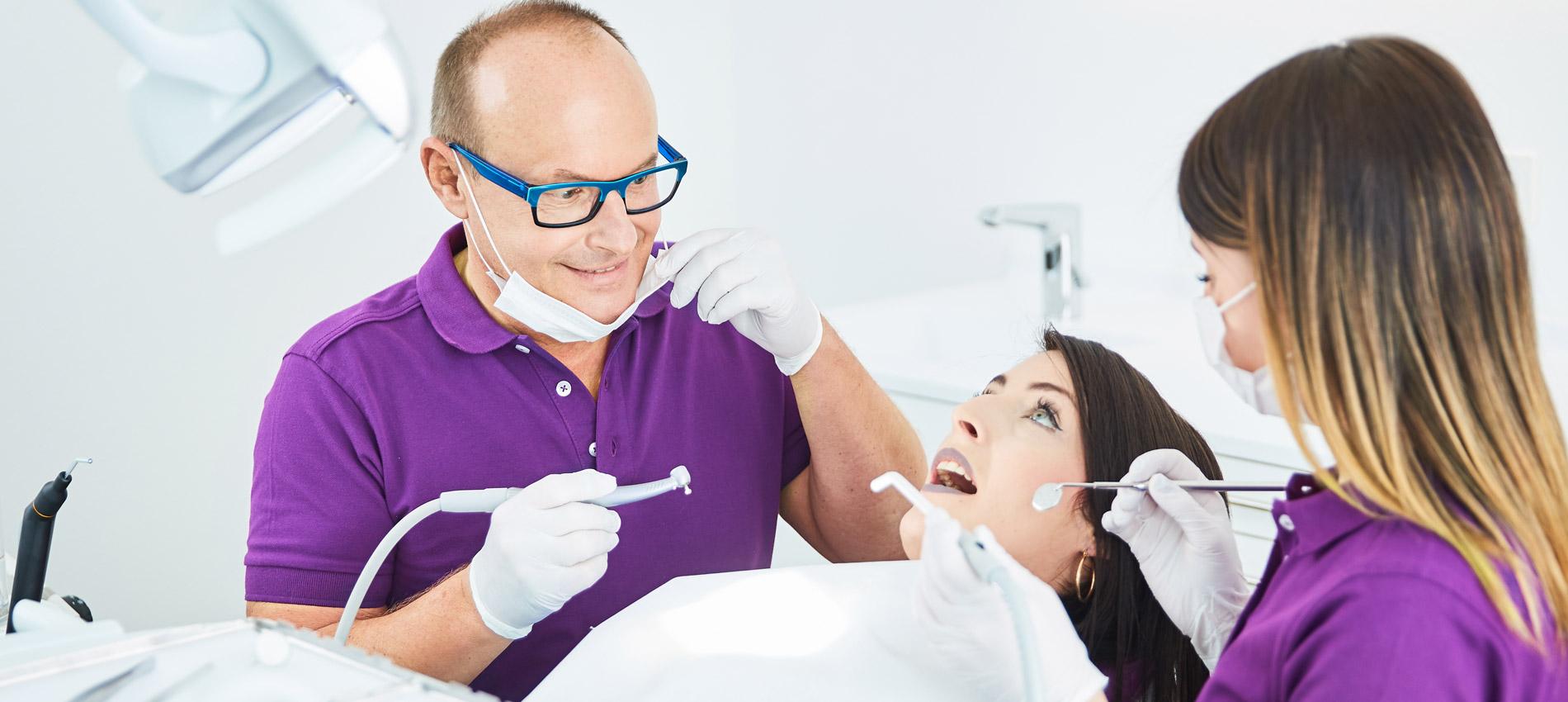 Zahnarztpraxis Ingo Lange - Digitale Zahnfarbenbestimmung 1